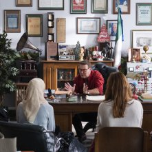 La prima pietra: Corrado Guzzanti in una scena del film