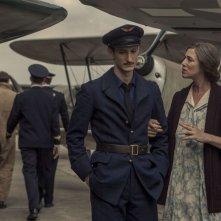 La promessa dell'alba: Charlotte Gainsbourg e Pierre Niney in un momento del film