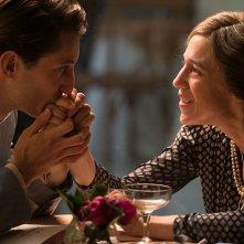 La promessa dell'alba: Charlotte Gainsbourg e Pierre Niney in una scena del film