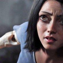 Alita: Angelo della battagli, un primo piano della protagonista Rosa Salazar
