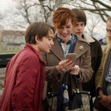 All These Small Moments: Molly Ringwald, Jemima Kirke e Brendan Meyer in una scena del film