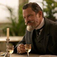 Colette: Dominic West in un momento del film