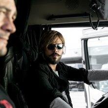 Drive me Home: Vinicio Marchioni e Marco D'Amore in un'immagine tratta dal film