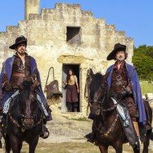 Moschettieri del re: i quattro moschettieri schierati a cavallo
