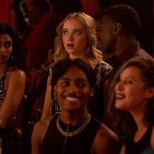 Queen America: una scena della serie con Belle Shouse