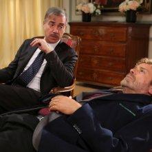 Natale a 5 stelle: Massimo Ciavarro e Massimo Ghini in una scena del film