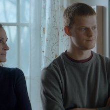 Ben Is Back:  Lucas Hedges con Julia Roberts in una scena del film