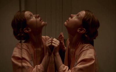 Recensione Suspiria: nel non-remake di Luca Guadagnino il vero orrore è l'umano