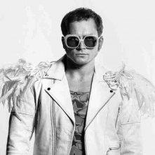 Rocketman: Taron Egerton è Elton John in una nuova foto del film