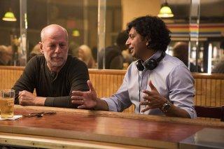Glass: Bruce Willis sul set insieme a M. Night Shyamalan