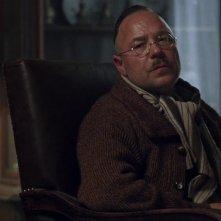L'uomo dal cuore di ferro: Stephen Graham in una scena