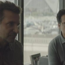 Il corriere - The Mule: Bradley cooper e Michael Peña  in una scena