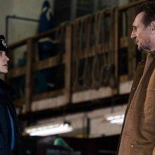 Un uomo tranquillo: Liam Neeson con Emmy Rossum in una scena