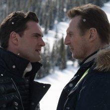 Un uomo tranquillo: Liam Neeson, Tom Bateman in una scena