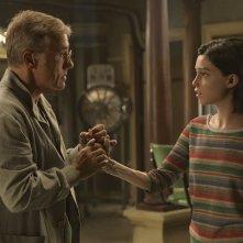Alita - Angelo della battaglia: Rosa Salazar e Christopher Waltz in una scena