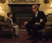 The kindness of Strangers: Bill Nighy, Finlay Wojtak-Hissong in una scena