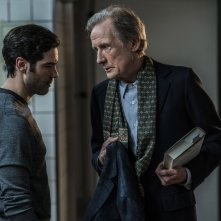 The kindness of Strangers: Bill Nighy in una scena