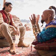 Aladdin: Mena Massoud e Will Smith in una scena