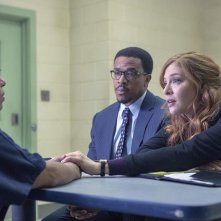 Proven Innocent: Rachelle Lefevre e Russell Hornsby in una scena