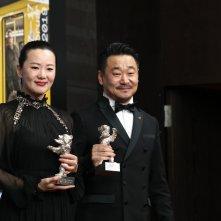 Berlino 2019: uno scatto di Yong Mei e Wang Jingchun alla conferenza dei premiati