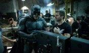 """Batman, Zack Snyder ringrazia Ben Affleck dopo l'addio: """"Sei stato il migliore"""""""