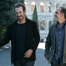 Domani è un altro giorno: Valerio Mastandrea e Marco Giallini in una scena