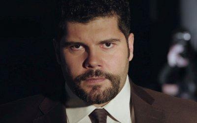L'eroe, la recensione: Salvatore Esposito e il mistero del bimbo scomparso