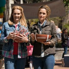 Instant Family: Rose Byrne, Julie Hagerty in una scena