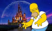 I Simpson celebrano l'accordo Disney/Fox: Homer strangola Topolino