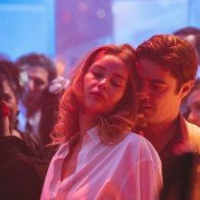 Lo Spietato: Riccardo Scamarcio con Marie-Ange Casta in una scena