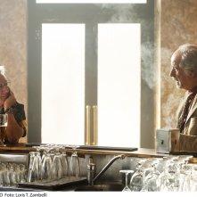 L'uomo del labirinto: la prima foto del film con Dustin Hoffman e Toni Servillo