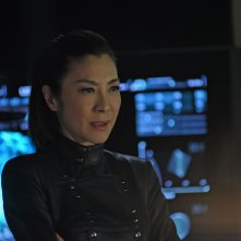 Star Trek: Discovery,  Michelle Yeoh in una scena dell'episodio Such Sweet Sorrow