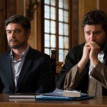 Non sono un assassino: Riccardo Scamarcio con Edoardo Pesce in un'immagine del film