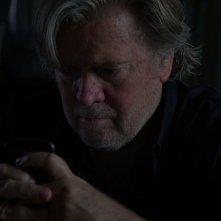 The Brink - Sull'orlo dell'abisso: Stephen K. Bannon in una scena del film