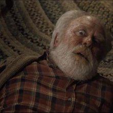 Pet Sematary: John Lithgow in una scena del film