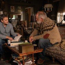 Pet Sematary: Jason Clarke e John Lithgow in una scena del film