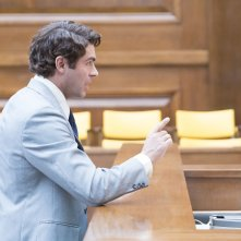 Ted Bundy - Fascino Criminale: Zac Efron interpreta Ted Bundy in una scena del processo