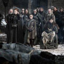 """Il trono di spade: """"Casa Stark"""" in una scena del quarto episodio, stagione 8"""