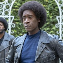 Black Monday:  una scena con Don Cheadle
