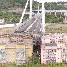 Il ponte di Genova: Cronologia di un disastro, una foto del ponte