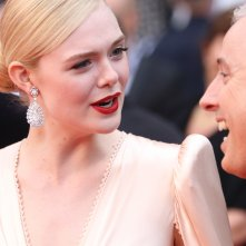Cannes 2019: Elle Fanning sul red carpet di apertura