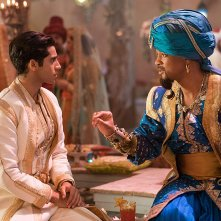Aladdin: Mena Massoud con Will Smith in una scena del film