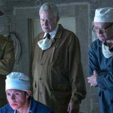 Chernobyl: Stellan Skarsgård, Mark Bagnall, Jared Harris, Ralph Ineson in una scena della serie