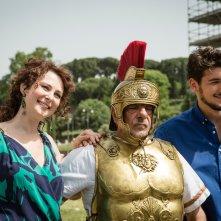 Di tutti i colori: Giancarlo Giannini, Olga Pogodina, Andrea Preti in una scena del film
