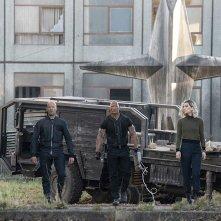 Fast & Furious - Hobbs &  Shaw: Jason Statham con Vanessa Kirby e  Dwayne Johnson in una scena