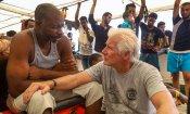 Richard Gere a Lampedusa: porta cibo e acqua ai migranti sulla Open Arms