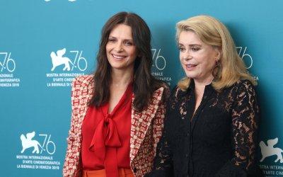 Le verità: Catherine Deneuve e Juliette Binoche aprono Venezia 2019 nel segno di Koreeda