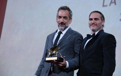 """Joker conquista il Leone d'Oro, Todd Phillips """"Riscrivere le regole del cinema è grandioso"""""""