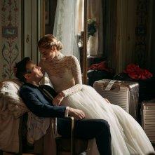 Finchè morte non ci separi: Mark O'Brien e Samara Weaving in  una scena del film