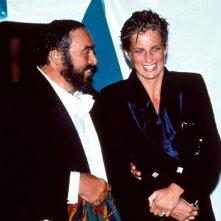 Pavarotti: Pavarotti e Lady Diana in una scena del documentario